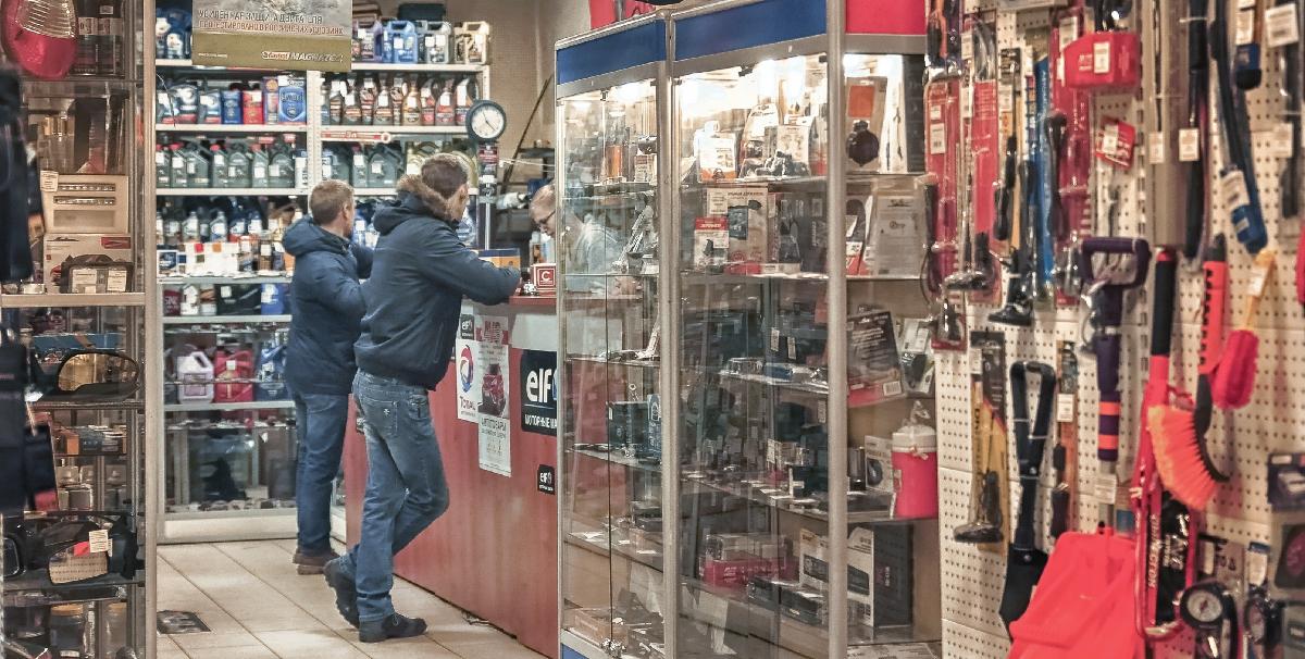 Компания «Корн»: продажа автозапчастей и аксессуаров к иномаркам и российским машинам в Москве и области
